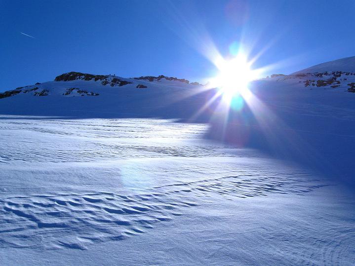 Foto: Andreas Koller / Ski Tour / Vom Gemmipass auf das Daubenhorn (2942 m) / Daubenhorngletscher / 08.01.2009 01:23:22