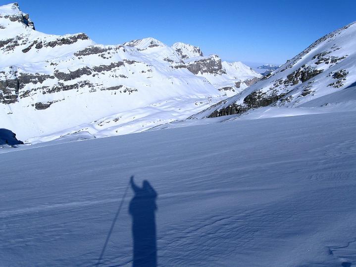 Foto: Andreas Koller / Ski Tour / Vom Gemmipass auf das Daubenhorn (2942 m) / Am Daubenhorngletscher mit toller Aussicht nach N / 08.01.2009 01:23:08