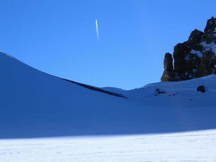 Foto: Andreas Koller / Ski Tour / Vom Gemmipass auf das Daubenhorn (2942 m) / Das Daubenhornjoch / 08.01.2009 01:22:34