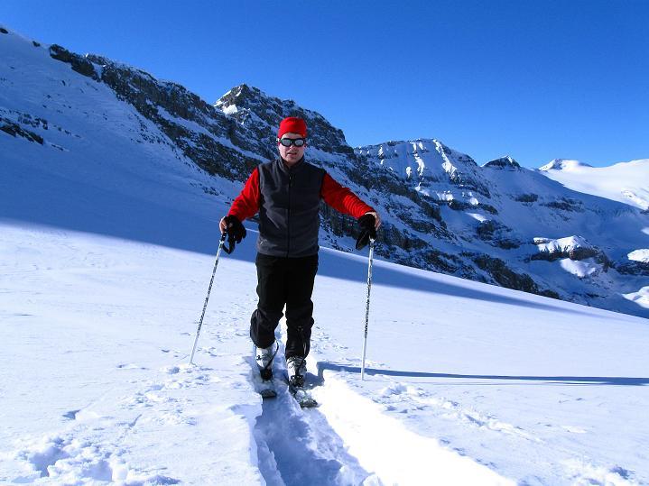 Foto: Andreas Koller / Ski Tour / Vom Gemmipass auf das Daubenhorn (2942 m) / Anstieg am Daubenhorngletscher / 08.01.2009 01:22:08