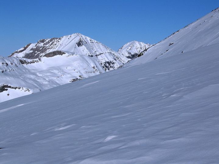 Foto: Andreas Koller / Ski Tour / Vom Gemmipass auf das Daubenhorn (2942 m) / Der Große Lohner (3049 m) / 08.01.2009 01:20:07