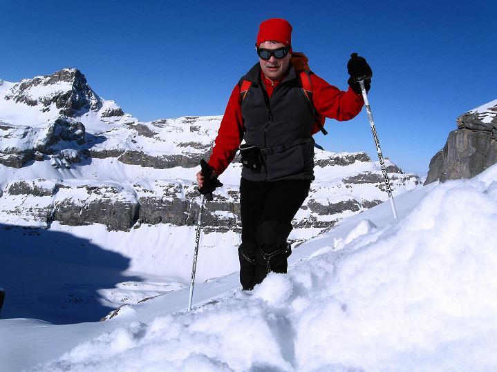 Foto: Andreas Koller / Ski Tour / Vom Gemmipass auf das Daubenhorn (2942 m) / Anstieg zum Skidepot / 08.01.2009 01:18:25