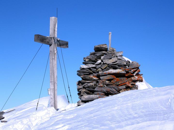 Foto: Andreas Koller / Ski Tour / Vom Gemmipass auf das Daubenhorn (2942 m) / Am Daubenhorn-Gipfel angekommen / 08.01.2009 01:17:45