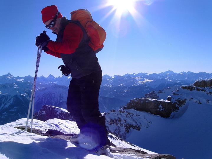 Foto: Andreas Koller / Ski Tour / Vom Gemmipass auf das Daubenhorn (2942 m) / Am Gipfel / 08.01.2009 01:14:22