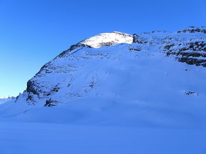 Foto: Andreas Koller / Ski Tour / Vom Gemmipass auf das Daubenhorn (2942 m) / Blick auf die Aufsteigsseite des Daubenhorn / 08.01.2009 01:05:04