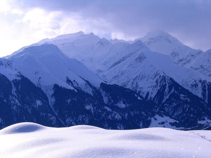 Foto: Andreas Koller / Ski Tour / Aus dem Val Lumnezia auf den Piz Sezner (2309m) / 08.01.2009 22:07:04