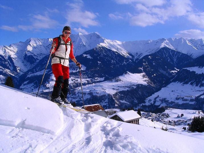Foto: Andreas Koller / Ski Tour / Aus dem Val Lumnezia auf den Piz Sezner (2309m) / 08.01.2009 22:06:48