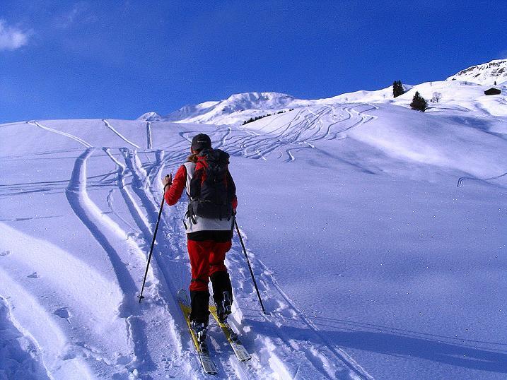 Foto: Andreas Koller / Ski Tour / Aus dem Val Lumnezia auf den Piz Sezner (2309m) / 08.01.2009 22:06:03
