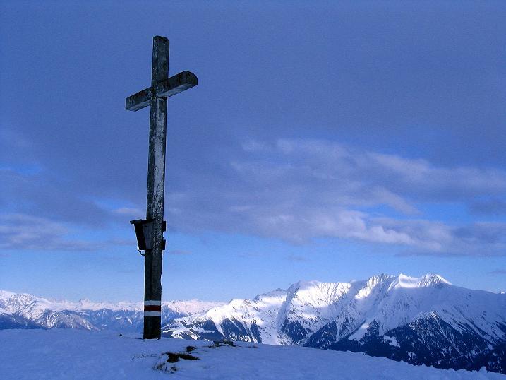 Foto: Andreas Koller / Ski Tour / Aus dem Val Lumnezia auf den Piz Sezner (2309m) / Weitreichender Blick vom Piz Sezner / 08.01.2009 21:59:48
