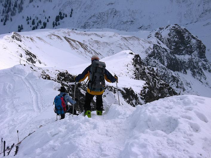 Foto: Andreas Koller / Ski Tour / Piz da Vrin (2563m) / Der kurze Grat zum Gipfel / 09.01.2009 00:21:31