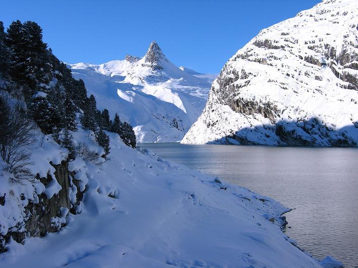 Foto: Andreas Koller / Ski Tour / Vom Zervreilasee auf das Frunthorn (3030m) / 09.01.2009 22:31:09