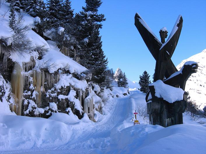 Foto: Andreas Koller / Ski Tour / Vom Zervreilasee auf das Frunthorn (3030m) / 09.01.2009 22:30:41