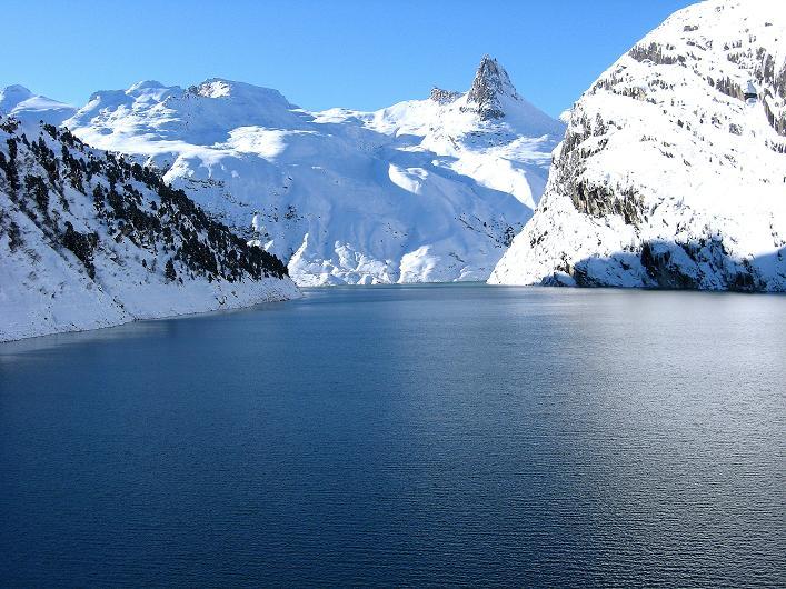 Foto: Andreas Koller / Ski Tour / Vom Zervreilasee auf das Frunthorn (3030m) / 09.01.2009 22:30:35