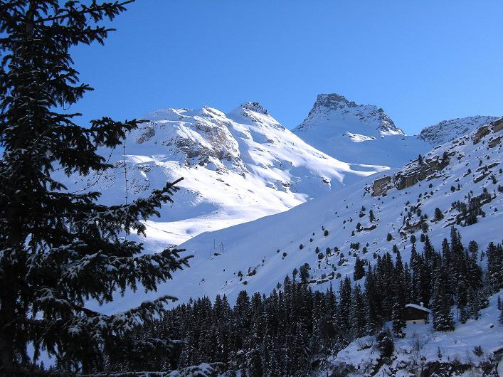 Foto: Andreas Koller / Ski Tour / Vom Zervreilasee auf das Frunthorn (3030m) / 09.01.2009 22:30:26