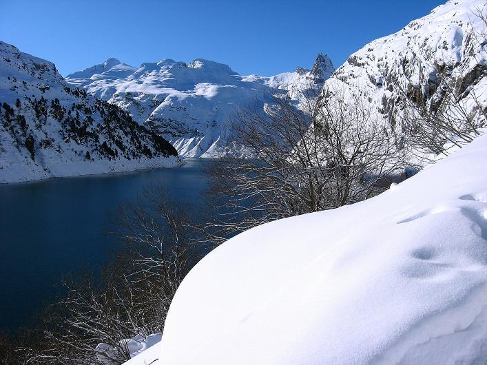 Foto: Andreas Koller / Ski Tour / Vom Zervreilasee auf das Frunthorn (3030m) / 09.01.2009 22:30:05
