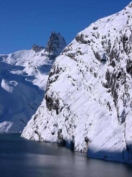 Foto: Andreas Koller / Ski Tour / Vom Zervreilasee auf das Frunthorn (3030m) / 09.01.2009 22:29:41