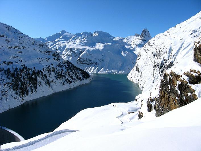 Foto: Andreas Koller / Ski Tour / Vom Zervreilasee auf das Frunthorn (3030m) / 09.01.2009 22:29:00