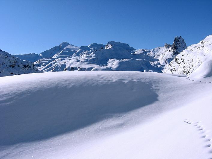 Foto: Andreas Koller / Ski Tour / Vom Zervreilasee auf das Frunthorn (3030m) / 09.01.2009 22:28:36