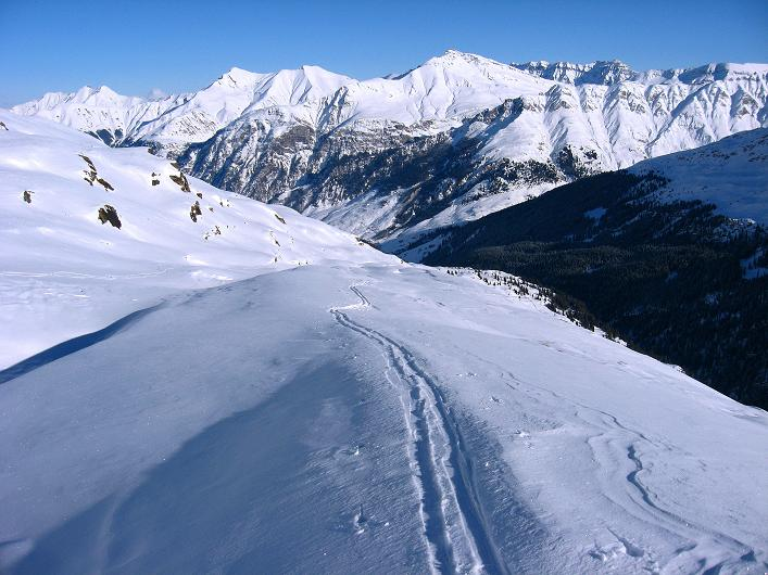 Foto: Andreas Koller / Ski Tour / Vom Zervreilasee auf das Frunthorn (3030m) / 09.01.2009 22:26:09