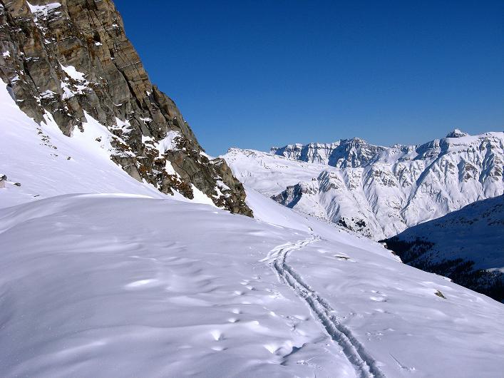 Foto: Andreas Koller / Ski Tour / Vom Zervreilasee auf das Frunthorn (3030m) / 09.01.2009 22:25:24