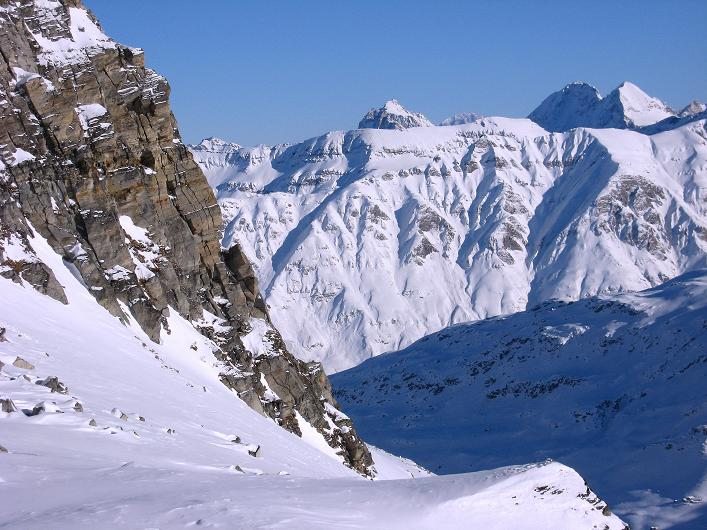 Foto: Andreas Koller / Ski Tour / Vom Zervreilasee auf das Frunthorn (3030m) / 09.01.2009 22:25:08