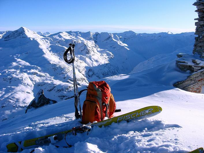 Foto: Andreas Koller / Ski Tour / Vom Zervreilasee auf das Frunthorn (3030m) / Im Herzen der Adula Alpen / 09.01.2009 22:22:10