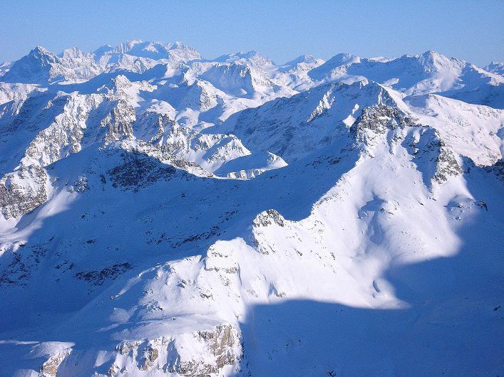 Foto: Andreas Koller / Ski Tour / Vom Zervreilasee auf das Frunthorn (3030m) / Blick nach NO / 09.01.2009 22:21:03