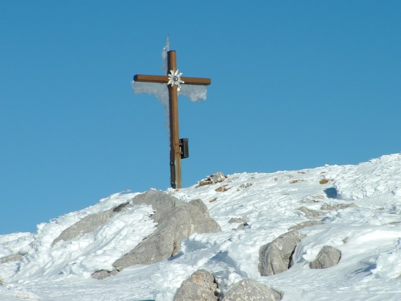 Foto: Johann Kussegg / Ski Tour / Kammerlinghorn (2484m) / Das Gipfelkreuz am Karkogel ist erreicht / 09.01.2009 11:29:17