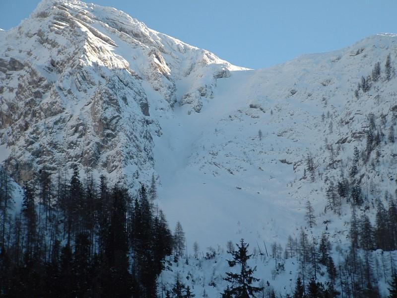 Foto: Johann Kussegg / Ski Tour / Kammerlinghorn (2484m) / Rückschau nach der Fahrt durch die Rinne von der Mittereisalm / 09.01.2009 11:38:29