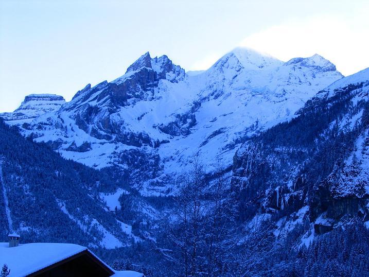 Foto: Andreas Koller / Ski Tour / Von der Engstligenalp auf das Chindbettihorn (2691m) / Blümlisalp von Kandersteg / 09.01.2009 23:51:24