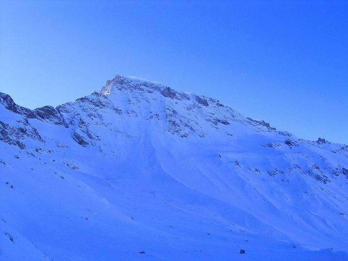Foto: Andreas Koller / Ski Tour / Von der Engstligenalp auf das Chindbettihorn (2691m) / Großstrubel (3243 m) / 09.01.2009 23:49:59