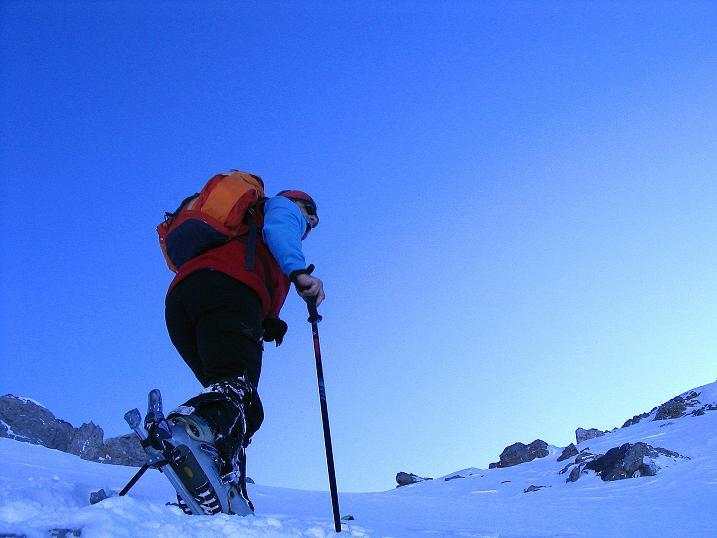 Foto: Andreas Koller / Ski Tour / Von der Engstligenalp auf das Chindbettihorn (2691m) / Der letzte steilere Abschnitt zum Chindbettipass / 09.01.2009 23:48:58