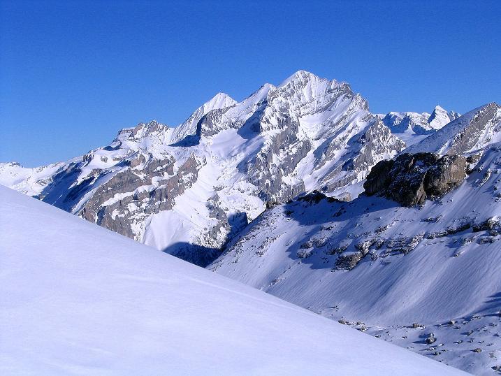 Foto: Andreas Koller / Ski Tour / Von der Engstligenalp auf das Chindbettihorn (2691m) / Blümlisalp (3661 m) / 09.01.2009 23:48:01