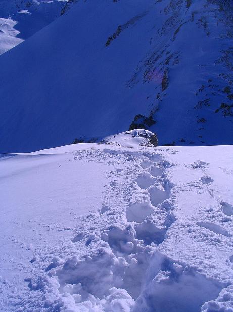 Foto: Andreas Koller / Ski Tour / Von der Engstligenalp auf das Chindbettihorn (2691m) / Aufstieg vom Pass / 09.01.2009 23:45:45
