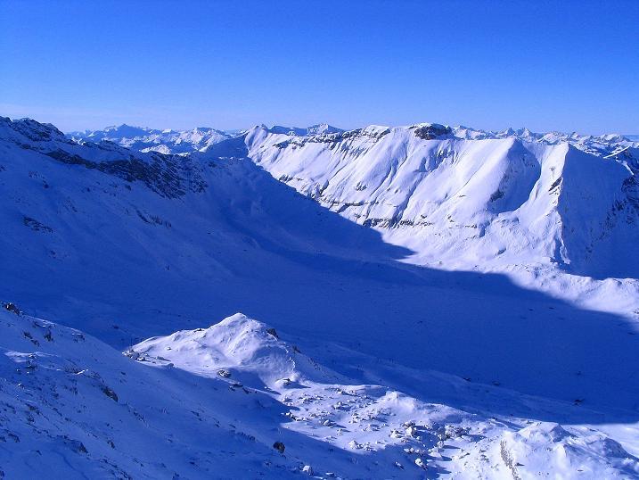 Foto: Andreas Koller / Ski Tour / Von der Engstligenalp auf das Chindbettihorn (2691m) / 09.01.2009 23:44:57