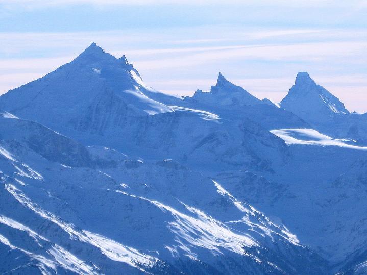 Foto: Andreas Koller / Ski Tour / Von der Lauchernalp aufs Hockenhorn (3293m) / Weißhorn (4505 m), Zinalrothorn (4221 m), Matterhorn (4478 m) / 12.01.2009 19:28:07