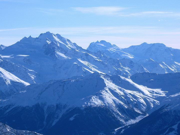 Foto: Andreas Koller / Ski Tour / Von der Lauchernalp aufs Hockenhorn (3293m) / Dom (4545 m), Monte Rosa (4534 m), Castor (4221 m) / 12.01.2009 19:26:06