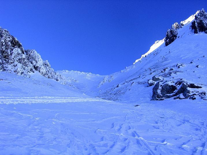 Foto: Andreas Koller / Ski Tour / Rassige Tour aufs Kleine Mosermandl (2538m) / Im Schlund des oberen Urbankars / 12.01.2009 19:14:18