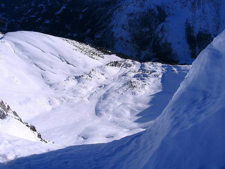 Foto: Andreas Koller / Ski Tour / Rassige Tour aufs Kleine Mosermandl (2538m) / Tiefblick auf die Jakoberalm / 12.01.2009 19:08:00