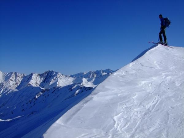 Foto: Bernhard Berger / Ski Tour / Von Navis auf die Schafseitenspitze / Blick in die Zillertaler Alpen (Foto: Bernd Golas) / 13.01.2009 16:31:46