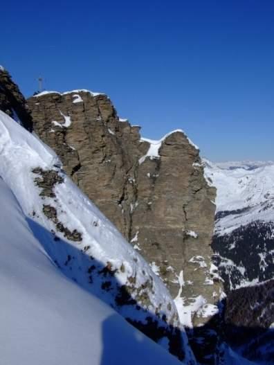 Foto: Bernhard Berger / Ski Tour / Von Navis auf die Schafseitenspitze / Rückseite des Schigipfels (Foto: Bernd Golas) / 13.01.2009 16:35:25