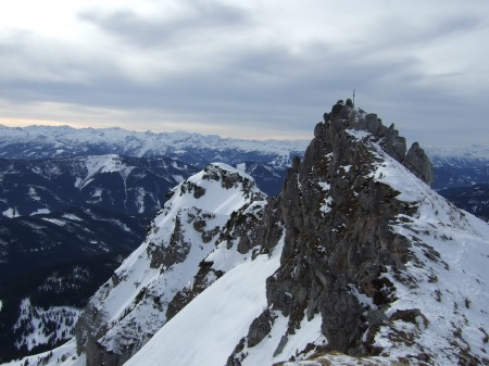 Foto: hofchri / Ski Tour / Kampl (2001m) und Losegg (1647m) von Annaberg über Mauerreith / das Gipfelkreuz am Kampl - kurze Klettereinlage / 19.01.2009 20:52:20