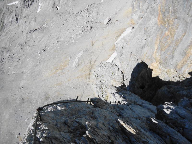 Foto: Günter Siegl / Klettersteig Tour / Irg – Klettersteig auf den Koppenkarstein / Am luftigen Pfeiler / 24.08.2015 10:38:14
