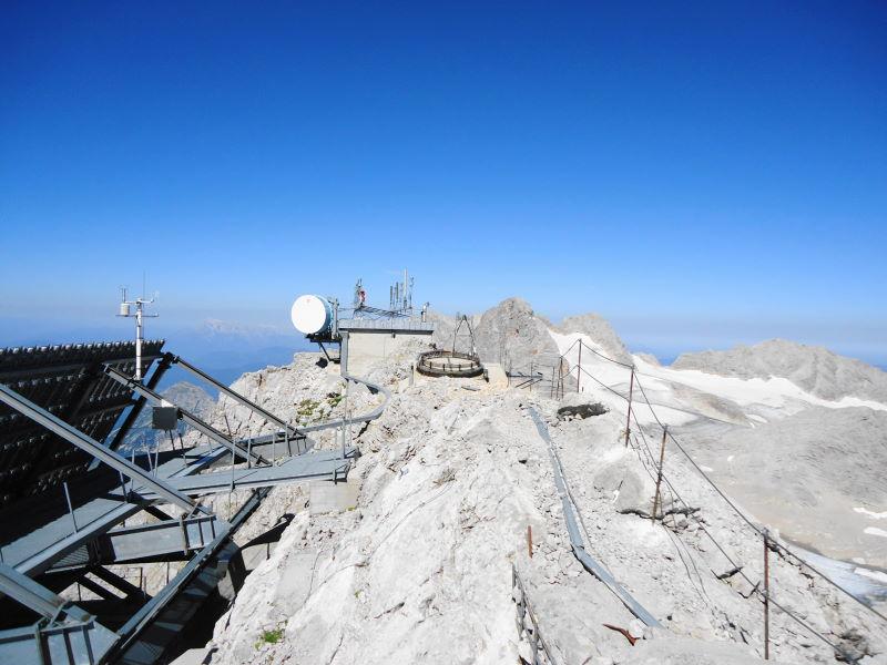 Foto: Günter Siegl / Klettersteig Tour / Irg – Klettersteig auf den Koppenkarstein / Interessante Installationen am Gipfel / 24.08.2015 10:33:29