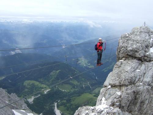 Foto: hofchri / Klettersteig Tour / Irg – Klettersteig auf den Koppenkarstein / wackelige Seilbrücke / 20.07.2009 21:50:22