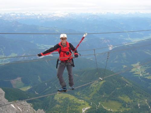 Foto: hofchri / Klettersteig Tour / Irg – Klettersteig auf den Koppenkarstein / der Boden ist weit weg / 20.07.2009 21:50:41