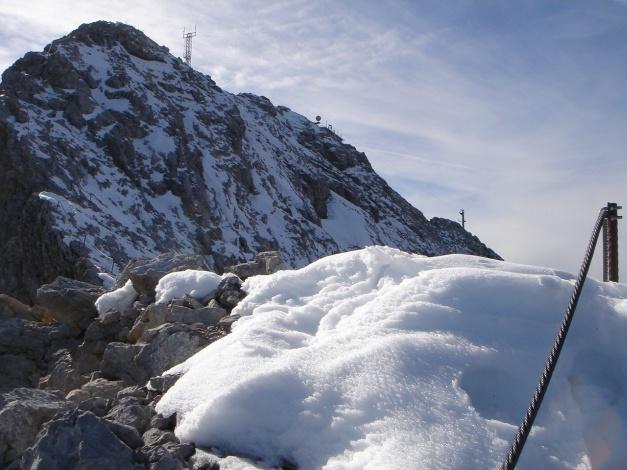 Foto: Manfred Karl / Klettersteig Tour / Irg – Klettersteig auf den Koppenkarstein / Noch ein kurzes und leichtes Stück zum Gipfel, bei Vereisung kann das aber am unangenehmsten werden / 22.01.2009 22:05:11
