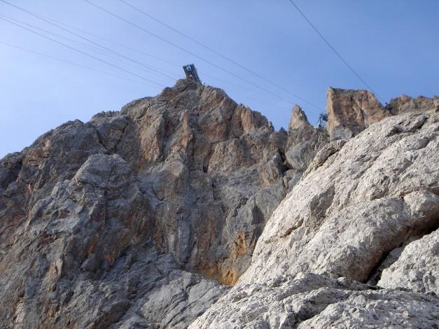 Foto: Manfred Karl / Klettersteig Tour / Irg – Klettersteig auf den Koppenkarstein / Skywalk - direkt unterhalb führt der Skywalk Klettersteig zum Hunerkogel hinauf / 22.01.2009 21:55:19