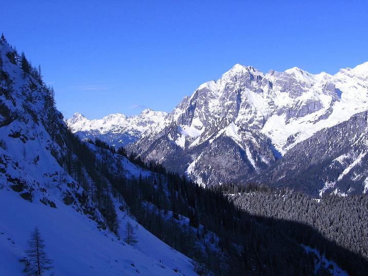 Foto: Andreas Koller / Ski Tour / Über den Leobner (2036m) / Blick auf den Ödstein (2335 m) und die Haller Mauer / 25.01.2009 23:47:18