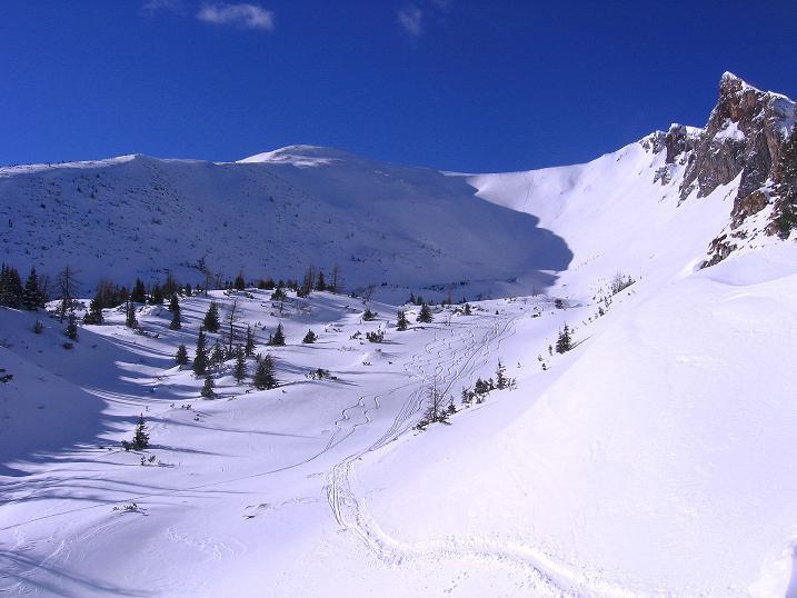 Foto: Andreas Koller / Ski Tour / Über den Leobner (2036m) / Das Kar unter der Leobner Mauer und dem Leobner / 25.01.2009 23:44:55